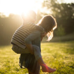 産後の悩み!腰痛は何が原因なの?病院の選び方や治療方法を解説