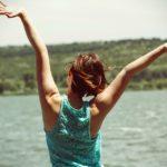 「産後の悩み」腰痛の原因とは?自宅で簡単ストレッチを続けよう!